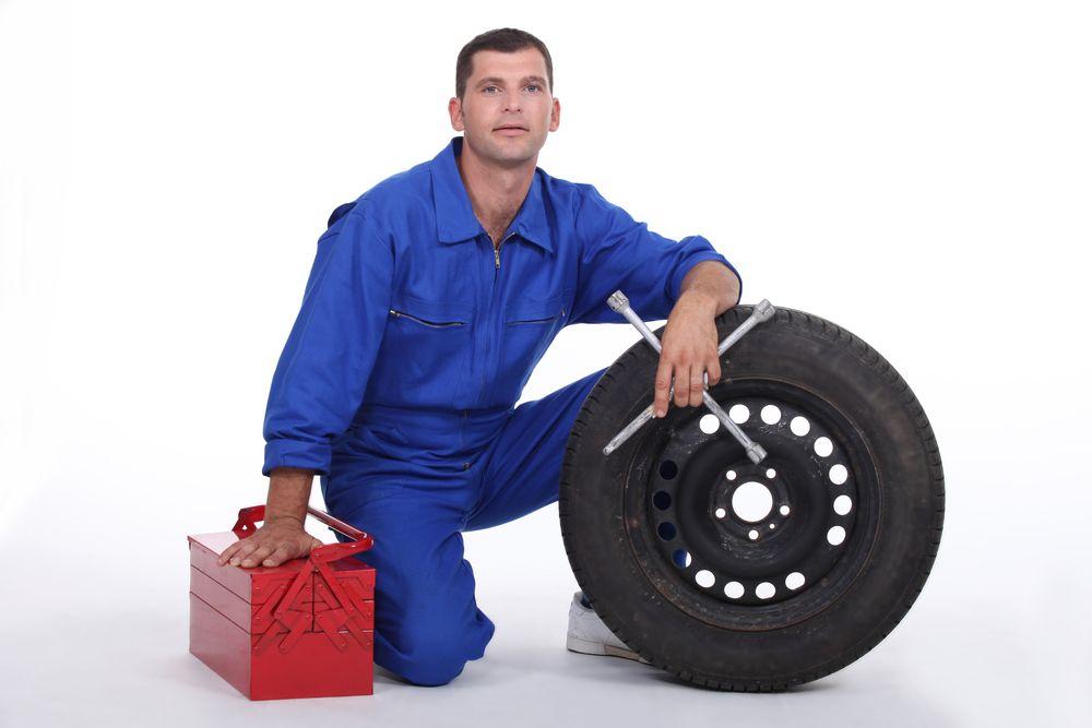 L & O Tire Service: 14555 State Rte 119 E, Anna, OH