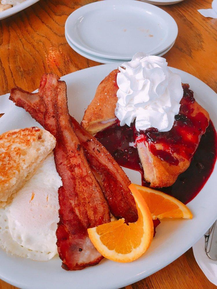 Arnie's Cafe: 269 S Main, Warrenton, OR