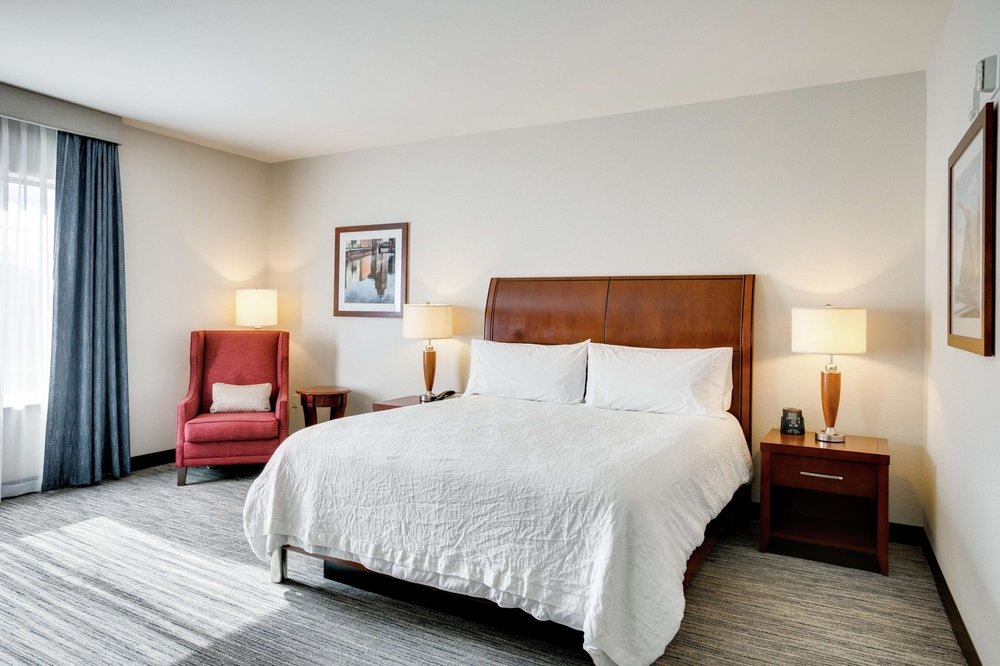 Hilton Garden Inn Milwaukee Airport: 5890 S Howell Ave, Milwaukee, WI