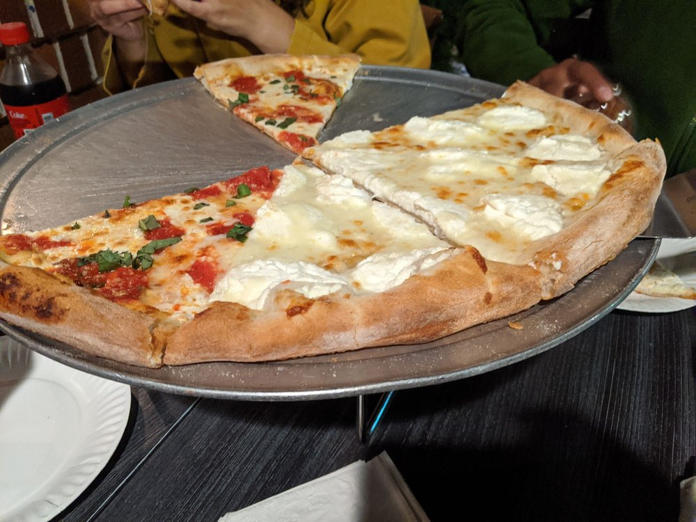 Leone Trattoria Pizzeria: 1027 Oyster Bay Rd, East Norwich, NY