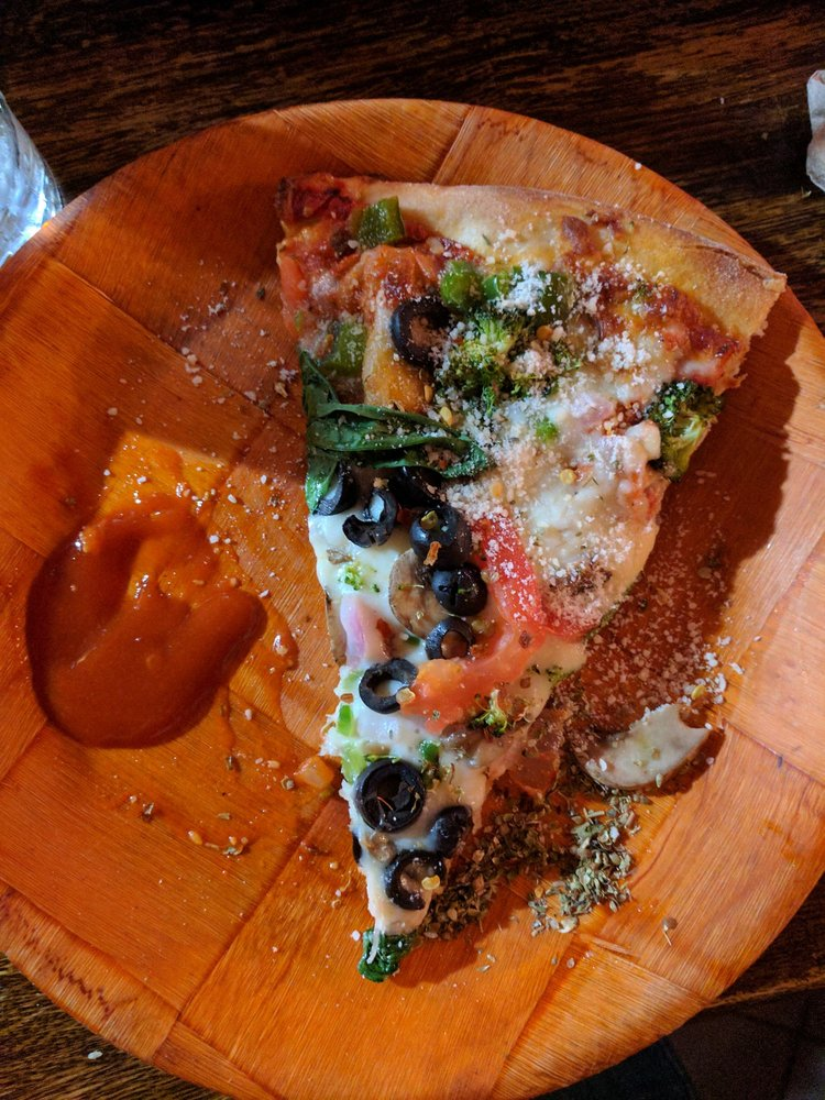 Mad River Pizza: 2535 State Rt 9N, Au Sable Forks, NY