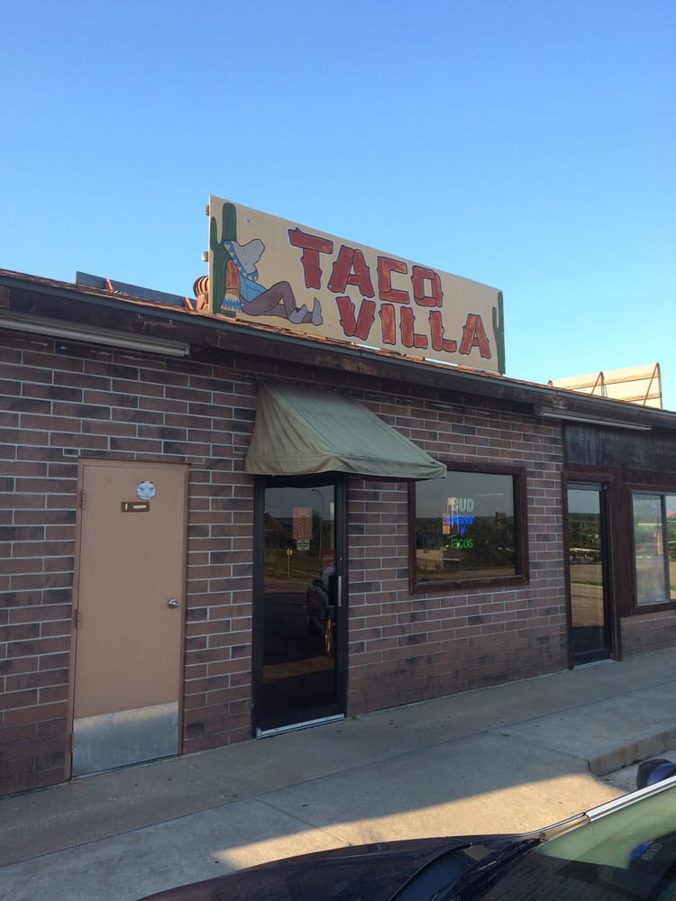 Taco Villa: 2305 Hilltop Dr, Warsaw, MO