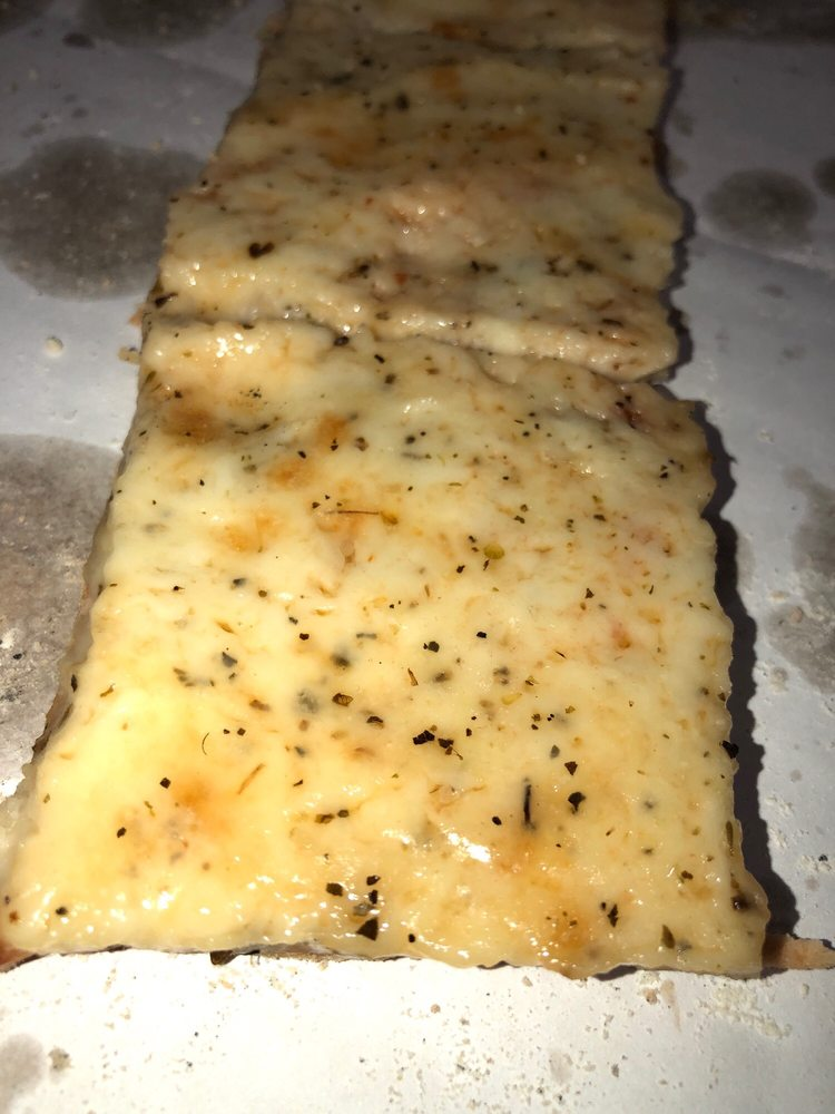 Bowen's Pizza: 219 E 47th St, Chicago, IL