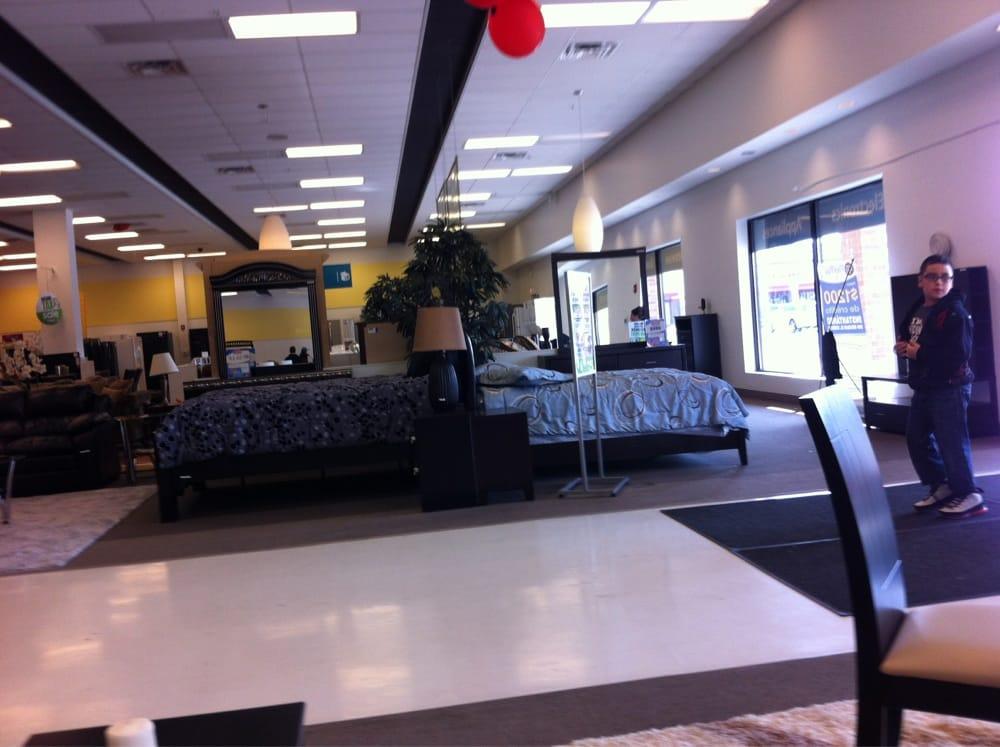 Famsa Furniture Shops 4615 W Cermak Rd Lawndale Cicero Il United States Phone Number