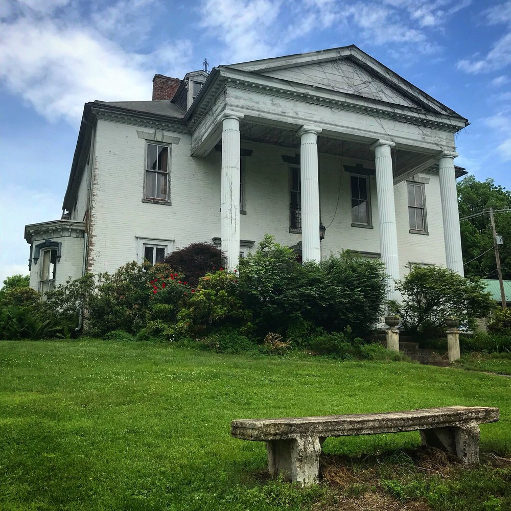 Swan Lake Mansion: 108 Bucher Hill Rd, Boiling Springs, PA