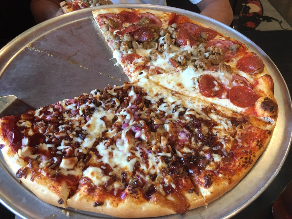 Badlands Pizza & Saloon: 285 3rd Ave, Medora, ND