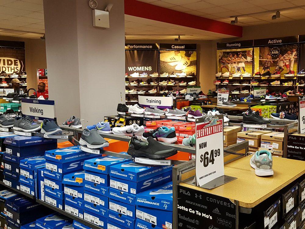 Modell's Sporting Goods: 9015 Queens Blvd, Elmhurst, NY