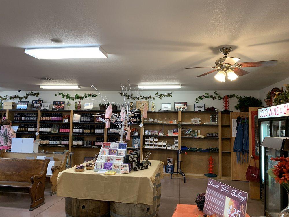 Wyldewood Cellars: 951 E 119th St S, Peck, KS