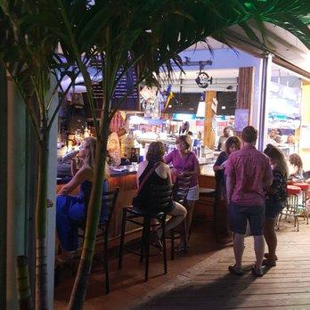 Beachcomber Bar Grill 34 Photos 70 Reviews Dance Clubs 100