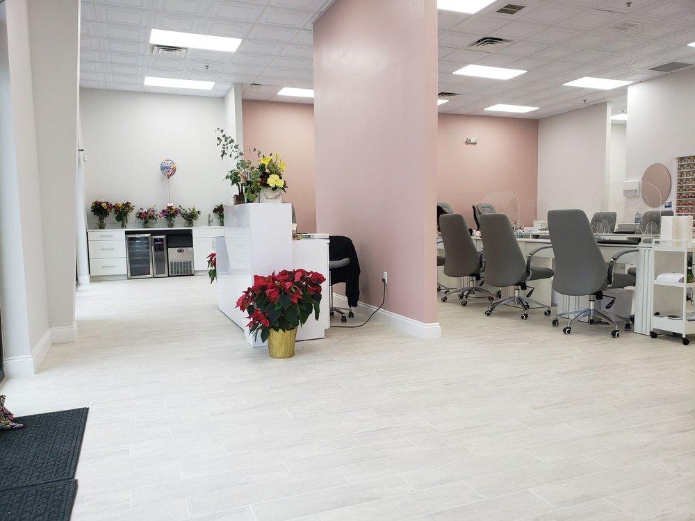 Élan The Beauty Bar: 960 E 9 Mile Rd, Pensacola, FL