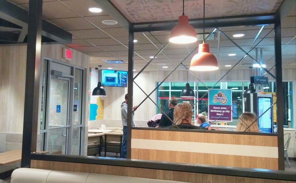 McDonald's: 2 Parkside Ct, Mifflintown, PA