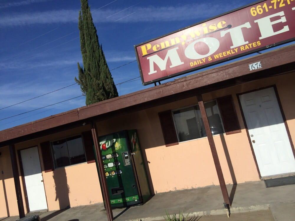 Penny-Wise Motel: 1674 Highway 99, Delano, CA