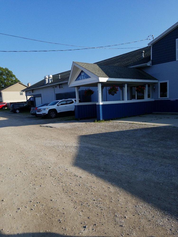 Swan Boat Club: 6332 Brancheau Rd, Newport, MI