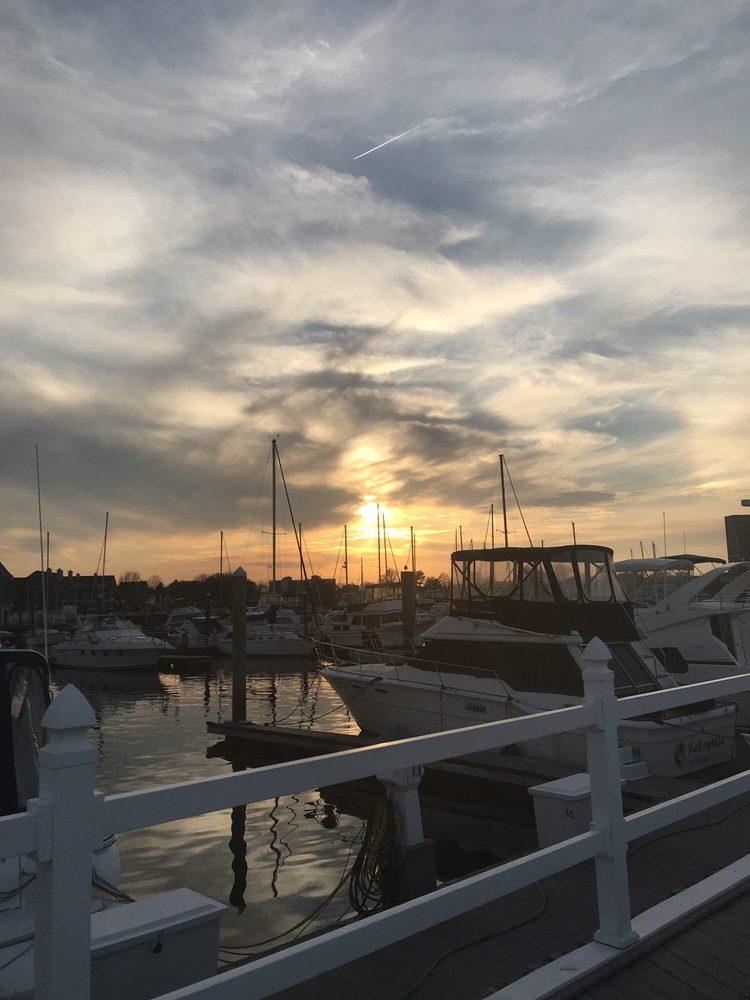 Tidewater Yacht Marina: 10 Crawford Pkwy, Portsmouth, VA