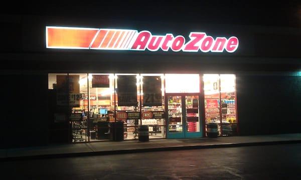 24 hr auto zone - Pizza in denver