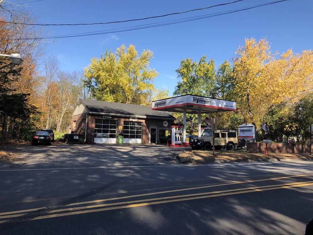 Revolutionary Gas & Tire: 296 Main St, Cumberland Center, ME