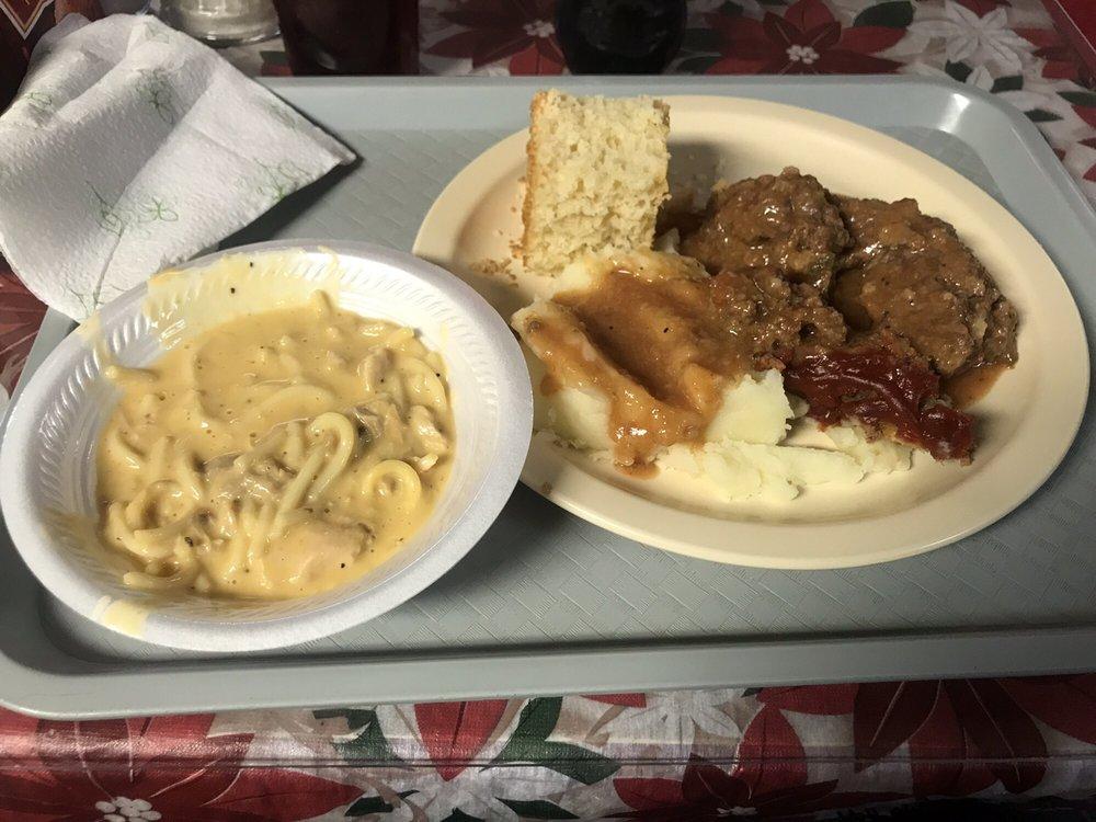 Mae's Grill: 1101 Elm St, Blytheville, AR