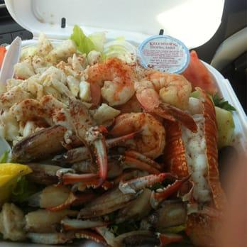 Spadafora s seafood market 11 photos 24 reviews for Fish market jersey city