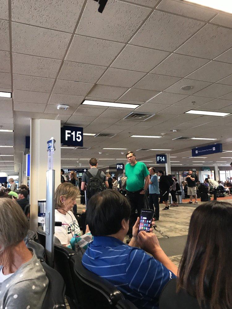TSA At Minneapolis St Paul International Airport