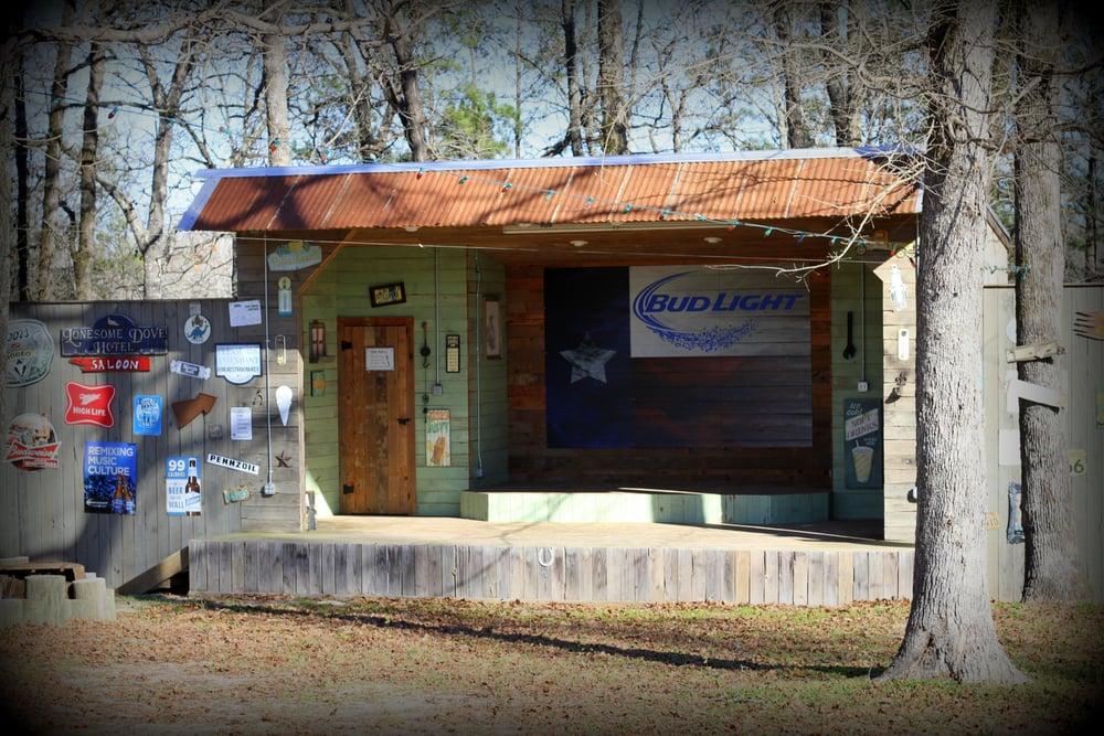 LugNutz Bar & Grill: 5287 S US Highway 59, Nacogdoches, TX