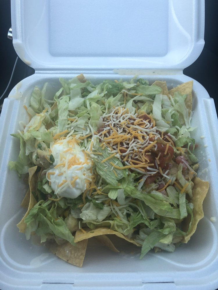 World Wing and Taco: 1945 Hwy 211 NW, Hoschton, GA