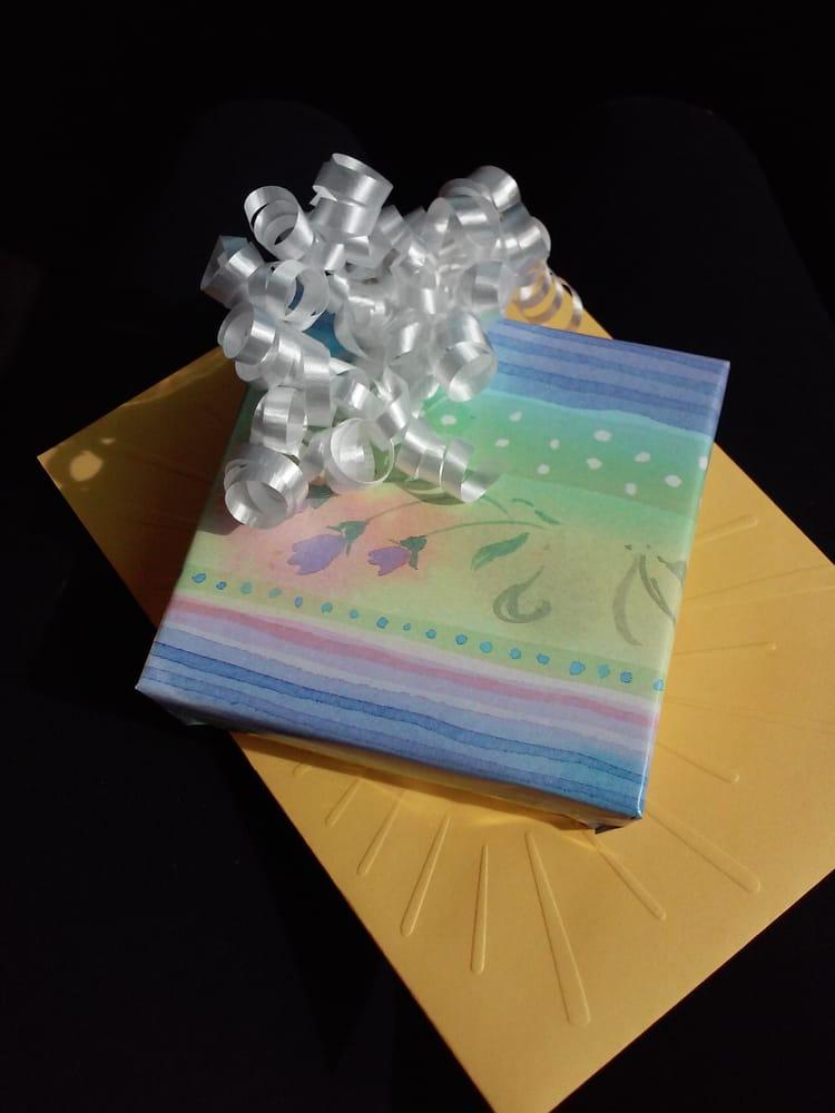 Gifts Unique: 721 Hwy 321 N, Lenoir City, TN