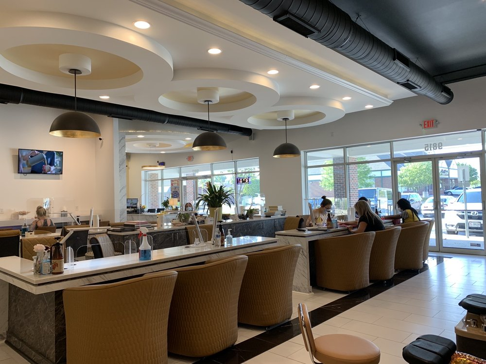 Soleil Nail Salon & Spa: 9815 Giles Rd, La Vista, NE