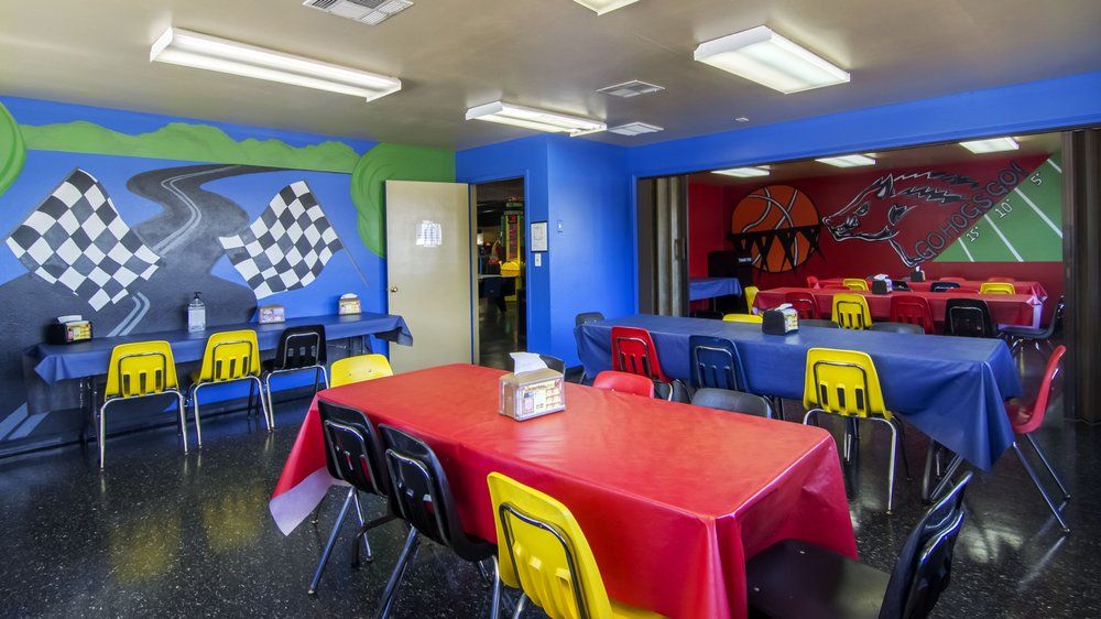 Lokomotion Family Fun Park: 4520 N College Ave, Fayetteville, AR