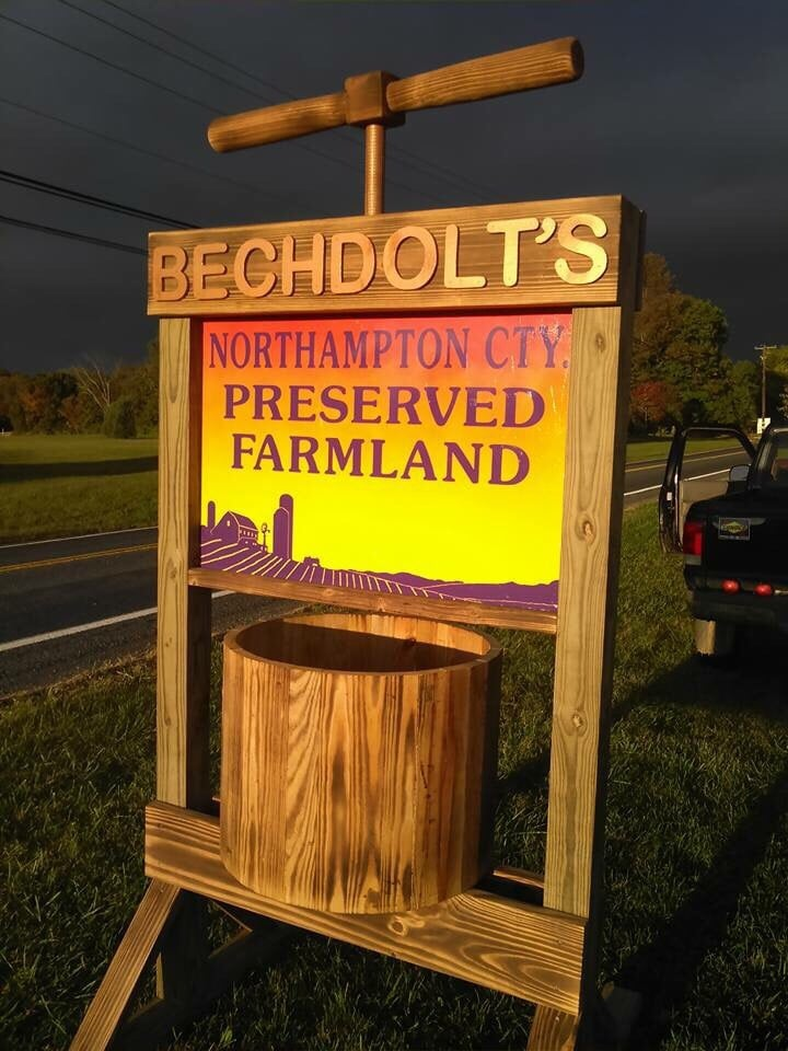 Bechdolt's Orchards: 2209 Leithsville Rd, Hellertown, PA