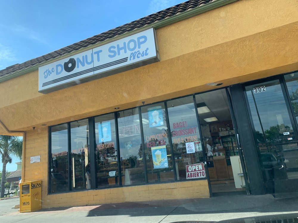 Donut Shop West: 300 W Los Angeles Ave, Moorpark, CA