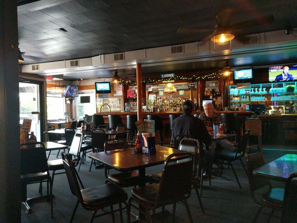 LaCroix's Riverside Pub: 314 Clinton Ave, Saint Clair, MI