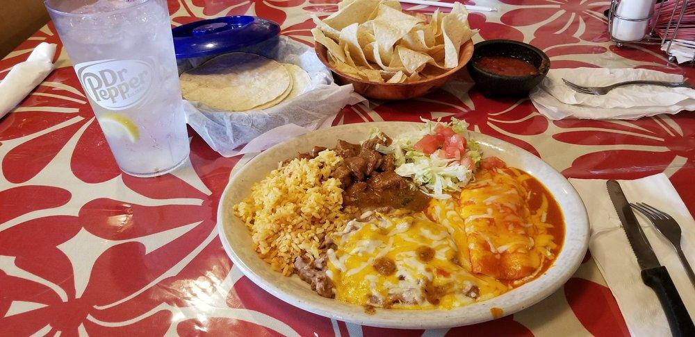 Los Carlos: 202 N Robinson St, Miles, TX