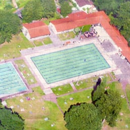 Fotos zu eosc erster offenbacher schwimmclub schwimmbad for Elektriker offenbach