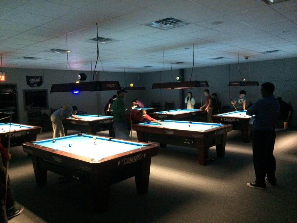 Bama Billiard Club: 6000 McFarland Blvd E, Tuscaloosa, AL
