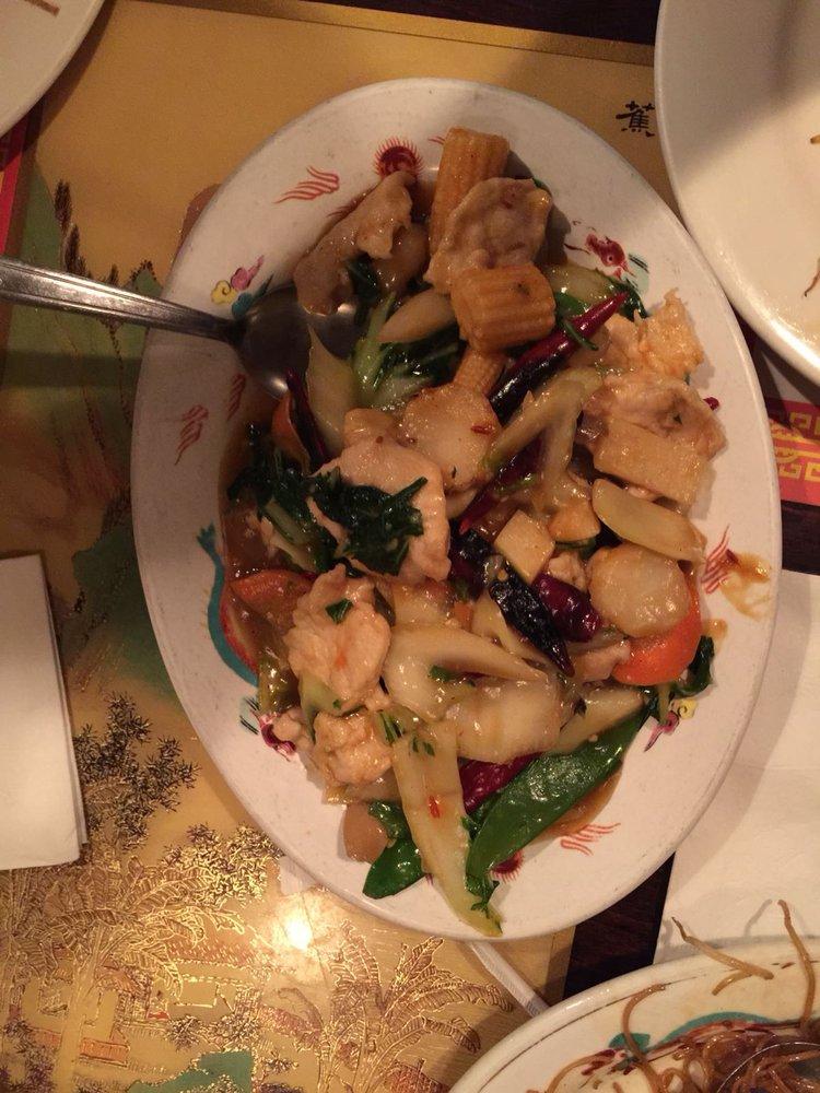 Wong's Restaurant: 712 Opal Ave, Clinton, OK