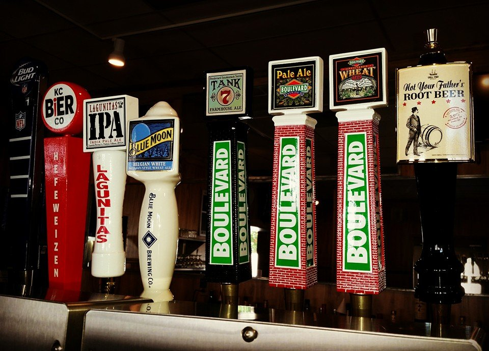 Rookies Sports Bar & Grill: 105 E Jackson, Iola, KS