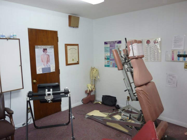 Polochick Chiropractic & Wellness Center: 2090 Acushnet Ave, New Bedford, MA
