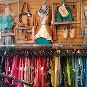 Plato S Closet Used Vintage Consignment 3192 S Linden Rd