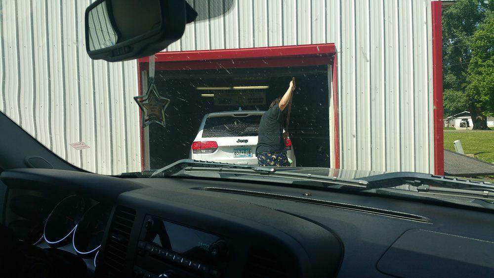 Red Carpet Car Wash: 412 Morningside Rd, Albert Lea, MN