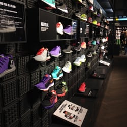 boutique nike republique