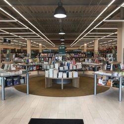 Barnes & Noble - Bookstores - 2655 Richmond Ave, Heartland