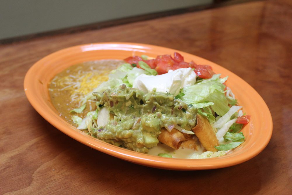 Los Magueyes Mexican Restaurant - Crystal River: 6875 W Gulf To Lake Hwy, Crystal River, FL
