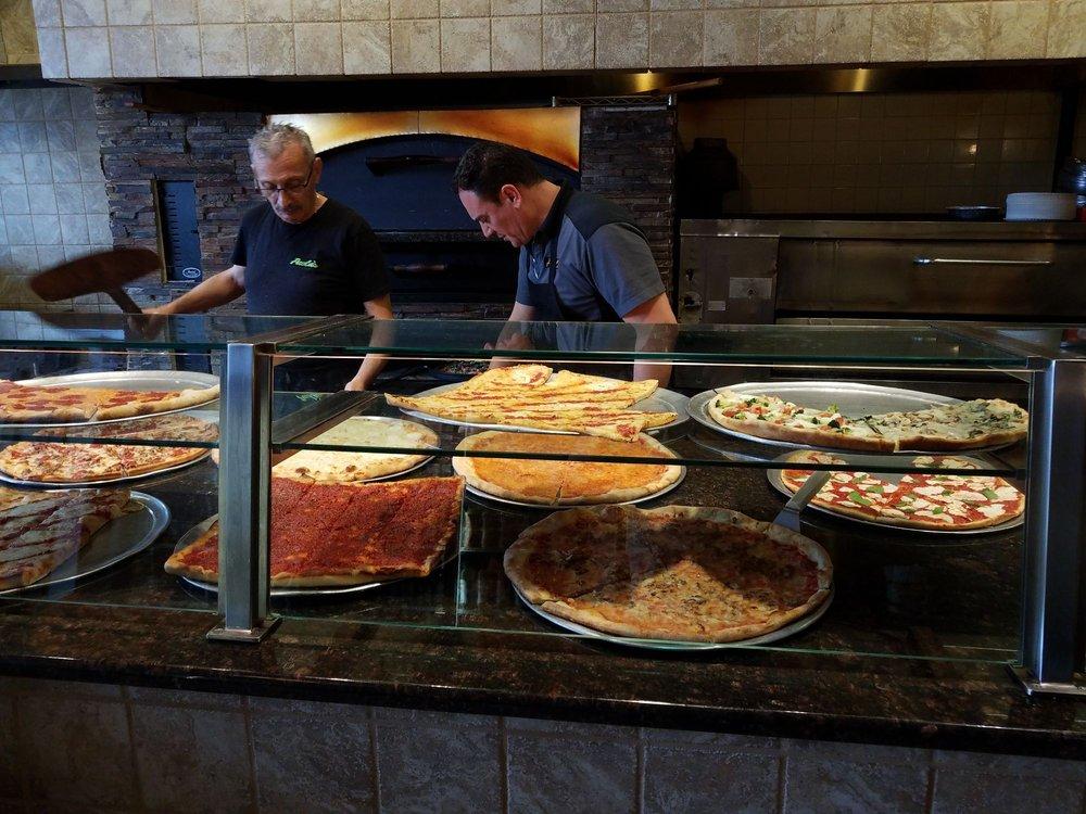 Paola's Pizzeria
