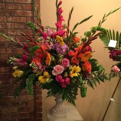Photo of All Flowered Up - Rusk, TX, United States. Sympathy Urn on