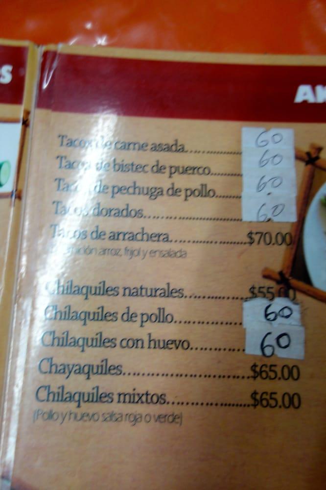 Pollo Rojo Restaurante: Calle 2 Norte S/n, Catemaco, ROO