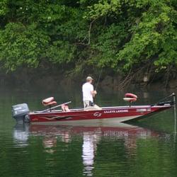 Lilleys landing resort marina fishing 367 river ln for Lake taneycomo fishing resorts
