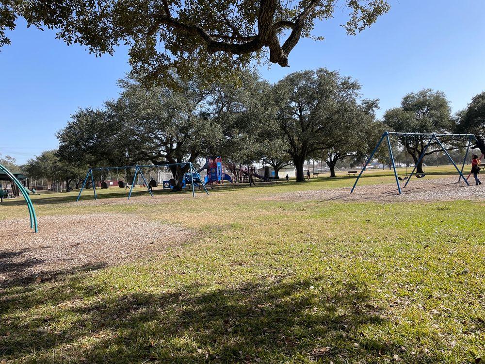 Sunset Park: 2017 Mulcahy St, Rosenberg, TX