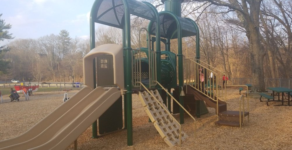 Penquin Park: 72-90 Burnham Rd, Andover, MA