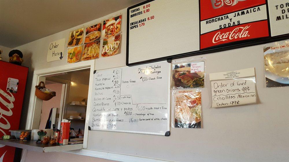 Tacosy Tortas Reyes: 907 E 8th St, Danville, AR