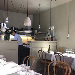 La table d aki 43 photos 13 reviews french 49 rue for 13 a table paris